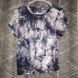 CharlotteRusse Short Blue/White Tye-dye Knot Shirt